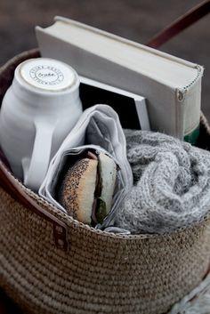 3c0eb2adfdd641aca621f50c5a2daaab--gift-baskets-picnic-baskets